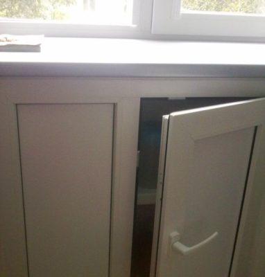 Подоконник со шкафом из ПВХ конструкций